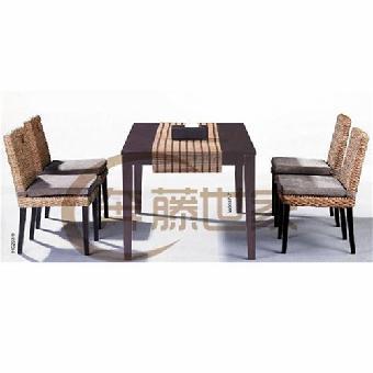 藤木/联系我时请说明来自志趣网,谢谢! 关键字:藤木家具藤餐桌椅