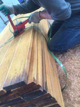 木材的横切面上会有类似胡桃