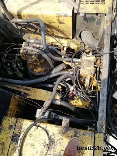 宣威市神钢挖掘机维修服务站热线挖机中臂