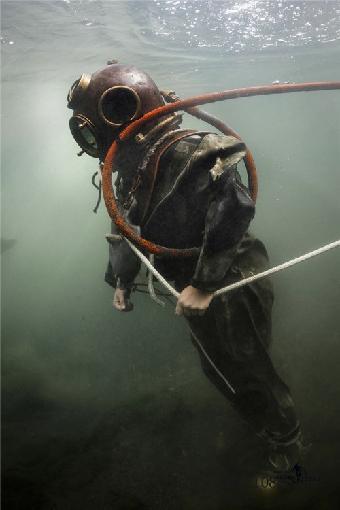 横琴岛澳门大学新校区海底专用隧道钢管桩水下切割,珠江隧道南岸芳村