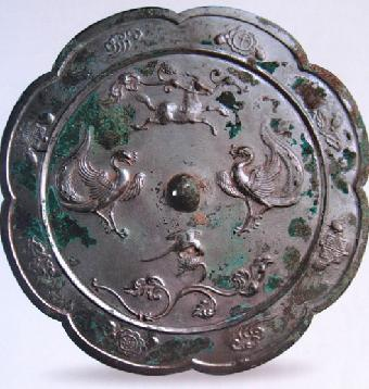 千秋龙纹铜镜拍卖能卖多少钱?