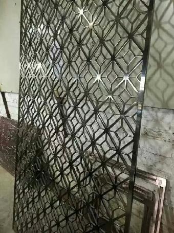 不锈钢黑金镜面屏风