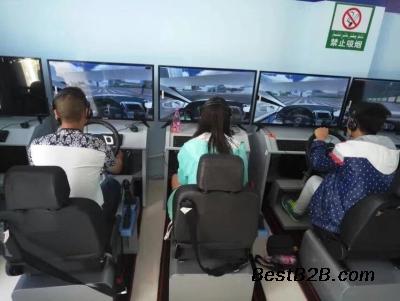 創業賺錢新點子 汽車駕駛模擬器利潤高