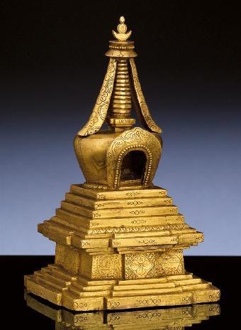 """藏语称""""藏文""""(曲登),佛塔最早用来供奉和安置舍利,经卷"""