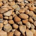 供應大量批發鵝卵石、草地石、假山公園石、景觀路面石