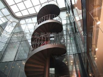 钢楼梯运用较多的是圆形楼梯.