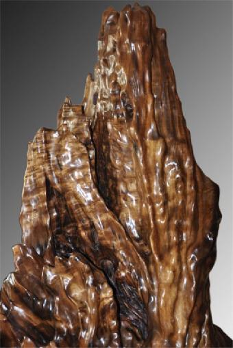 龙胆纹是金丝楠木中较为尊贵的一种