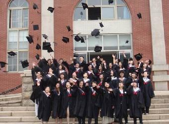 杭州学士服租赁杭州特色毕业服装杭州创意毕业服装