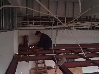 上海徐汇钢结构阁楼搭建.铁艺栏杆.结构雨棚