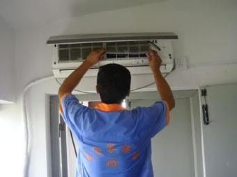 空调加氟30元/压力起,并保修一年.