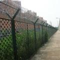 監獄隔離網施工方案 監獄圍墻網樣式 監獄隔離柵圖片