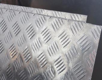5052柳叶型花纹铝板 防滑花纹铝板
