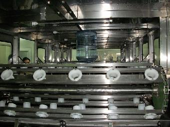 贵州桶装水自动安装灌装设备