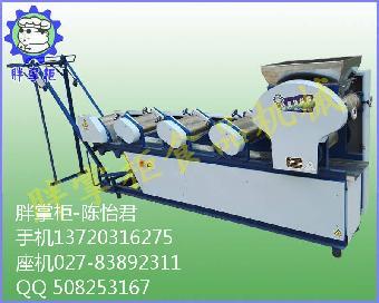 胖掌柜压面机是一种新型面条流水作业设备,结构紧凑,采用全齿轮传动