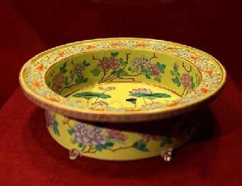 qq 瓷器/关键字:官窑瓷器出售官窑瓷器历史介绍官窑瓷器名家估价