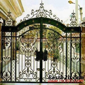 天津万豪达铁艺门窗厂定做铁艺大门,规格可以根据你的需要定做,款式可