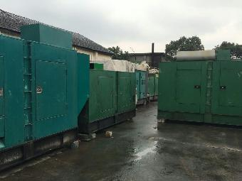 我公司长期经营50kw-1300kw二手发电机普通型,车载式,水轮式,船用进口