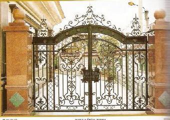 独具欧式风格的艺术大门,牌楼,外墙围栏,楼梯扶手,护窗,阳台护栏,铁艺