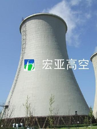 塔外冷空气进人冷却塔后,吸收由热水蒸发和接触散失的热量,温度增加