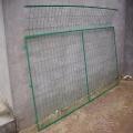 高速公路护栏网鱼?#20102;?#27744;边护栏铁的路口护栏网厂家报价