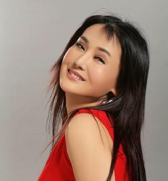 影视演员杨欣_杨欣这种自信的时尚风范和影视圈内外和睦家庭幸福典范形象与柏克莱&