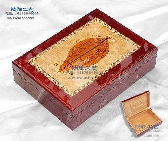 高清雕刻木盒图案简单