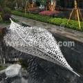 镂空不锈钢艺术树叶雕塑