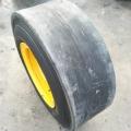 前進 10. 礦用光面輪胎 壓路機輪
