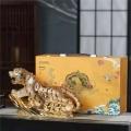 老虎圖案酒瓶3斤5斤金色生肖酒瓶陶瓷批發