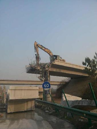 桥梁切割拆除|液压钳拆除|道路改造拆除|墙锯绳锯切割拆除|墙体切割开