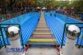 網紅橋擺擺橋大型游樂設備 山東馳勝可移動充氣氣墊