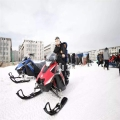 成人雪地摩托車 履帶式雪地摩托車冰雪設備