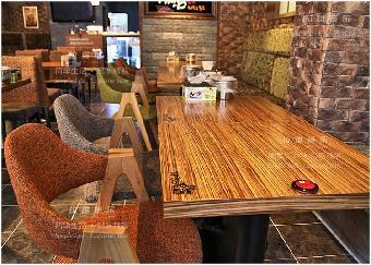 供应猫咪咖啡馆实木桌椅 定制实木桌椅 实木桌椅定做