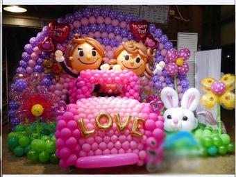玫瑰花气球拱门,各种色彩的螺旋拱门,还可以做一些非常适合婚礼的爱心