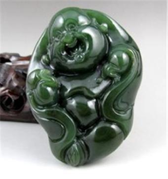 历年和田碧玉雕件的加拿大拍卖价格