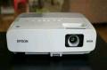 專業維修愛普生EPSON投影機和更換原廠投影機燈泡