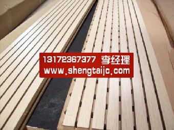 7,木质吸音板的截面结构:按上下结构分为:饰面