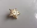 星級顧問胸章定制,電鍍金色胸章,哪里可以定制徽章