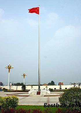 5,内置式升旗装置:专用升降旗绳藏于旗杆内部,免受风吹雨淋之苦图片