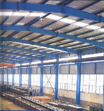 湿膜现场检验:钢结构防腐施工人员在施工后