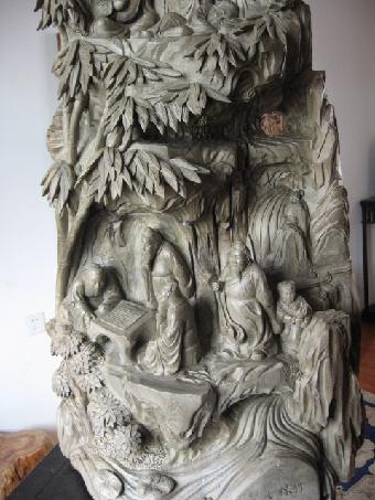 2014年金丝楠木雕阴沉木能卖多少钱?