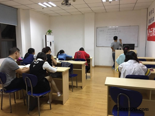 德阳广告设计培训机构平面设计的常见用途初学室内设计手绘书籍推荐图片