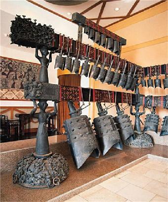 青铜编钟作为人类史上的一项伟大发明,其在工程图学上的价值或许等