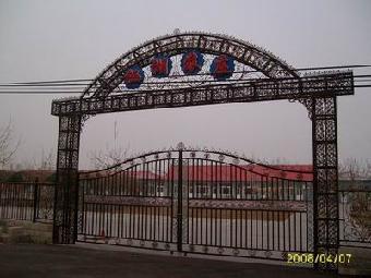 大门,围栏,护窗,阳台栏杆,公路栏杆,楼梯扶手,钢结构,隔断,不锈钢