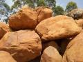 工程假山、大型假山定做、黄蜡石假山、吨位黄蜡石