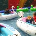 鄭州神童新型豪華游樂設備水上充氣碰碰船價格廠家直銷
