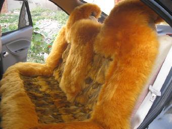乌鲁木齐汽车坐垫厂家冬季羊剪绒汽车坐垫直销