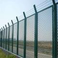 高速公路护栏网运动场护栏网桥梁护栏网厂家加工制作