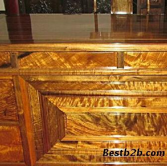 金丝楠是一些材质中有金丝和类似绸缎光泽现象的楠木