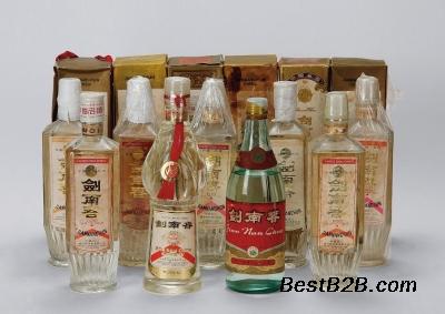 丽水当地茅台酒瓶子回收价格全国回收拉菲酒-